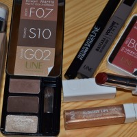 Une makeup Bronze Collection
