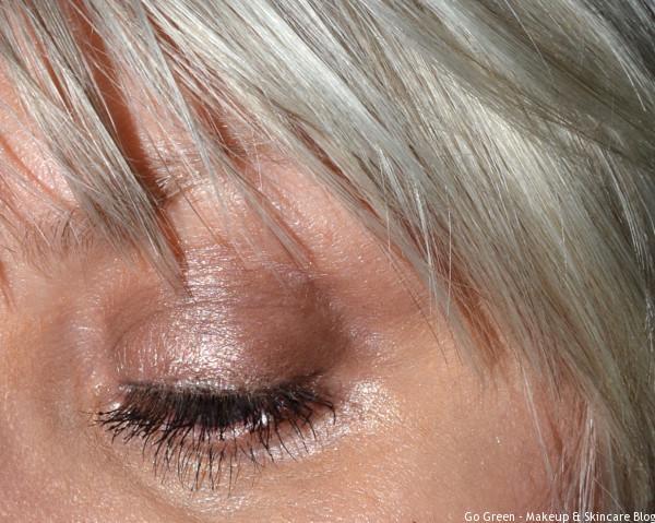 Une makeup _