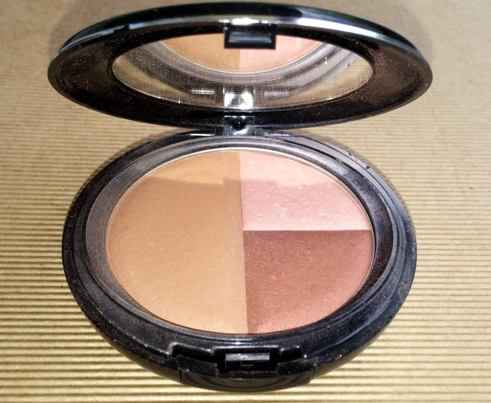 Sommarens bronzers och highlighters
