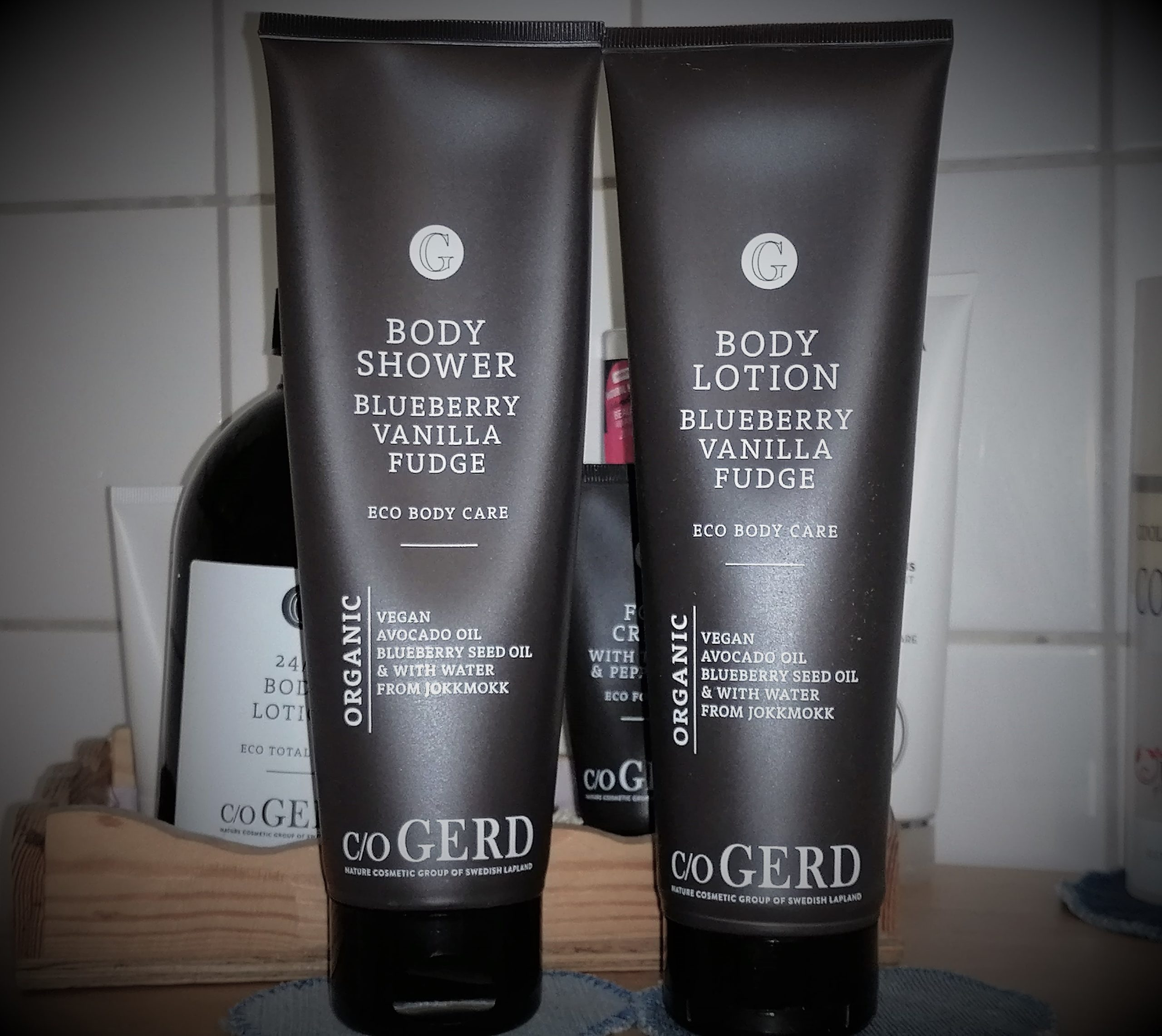 Body Shower och Body Lotion med doft av vaniljkola